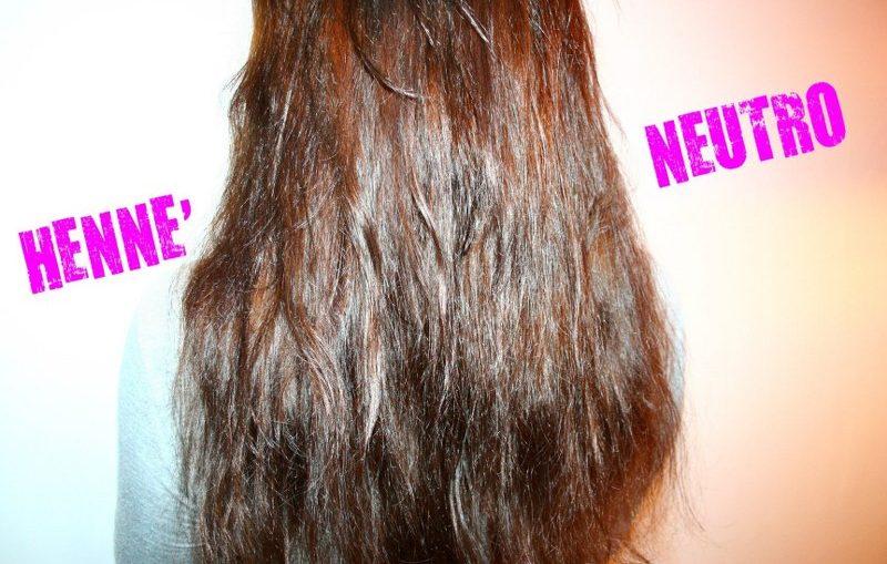 tutti i benefici dell'hennè neutro sui capelli sfibrati