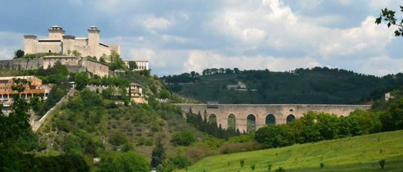 foto panoramica di spoleto