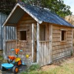 Casette per bambini in legno o in plastica?